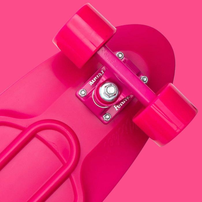 ★即納★Penny ペニースケートボード STAPLES ステープル 1NST1 新色 27インチ PINK 特殊プラスティック ウィール59mm  Abec7 STEEL 正規品