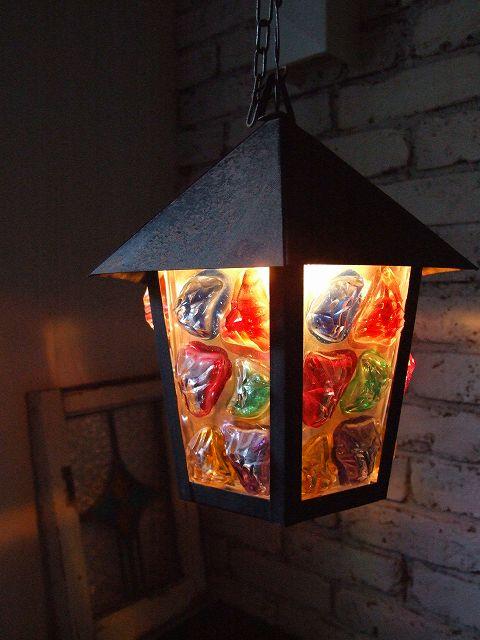 アンティーク 立体的なガラスデザインが魅力 カットガラスのカラフルランタン