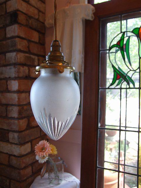アンティーク 小さいつぼみ型ランプシェード
