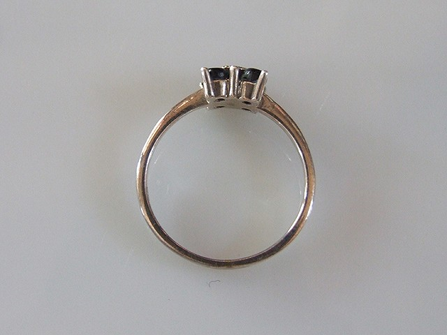 アンティーク シックなデザイン マーカサイトのリング