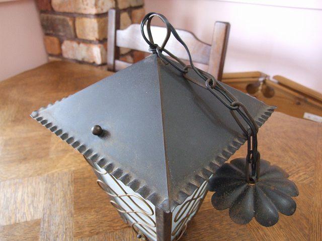 アンティーク ワイヤーワークが魅力 アイアン製ランタン