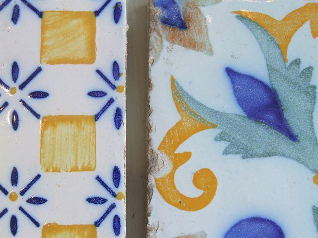 フランスで買い付けた 1800年代後半 アンティーク 明るい色使いのタイル