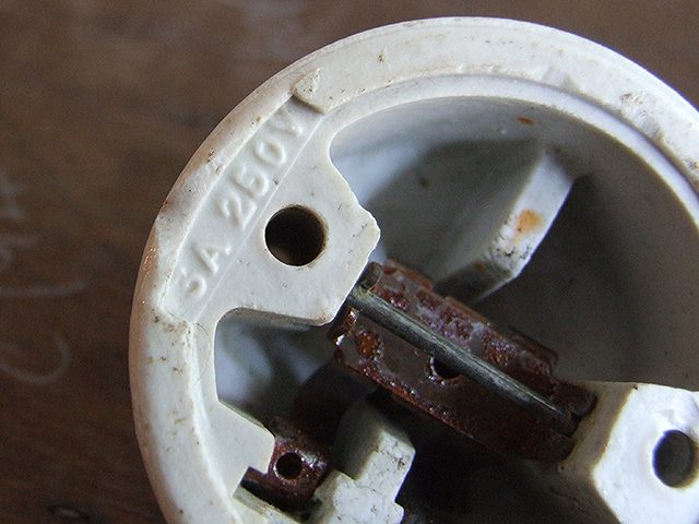 アンティーク ころんと丸い 陶器のスイッチ
