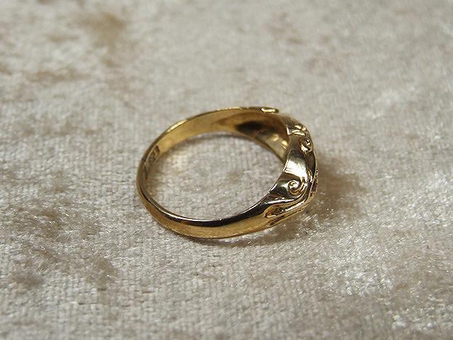 アンティーク 女性らしさいっぱい ダイヤとルビーのリング