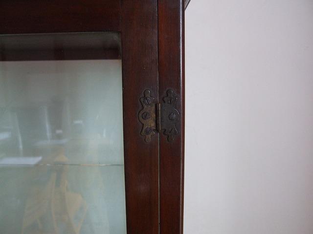 アンティーク マホガニーで作られた ガラスケース