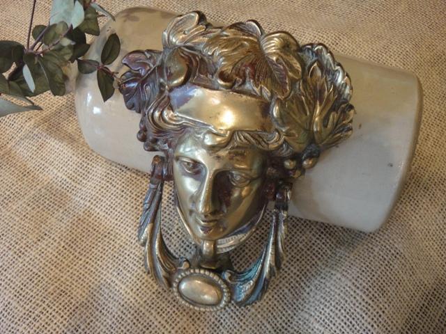 アンティーク ギリシャ神話の女神のようなドアノッカー(ブロンズ)