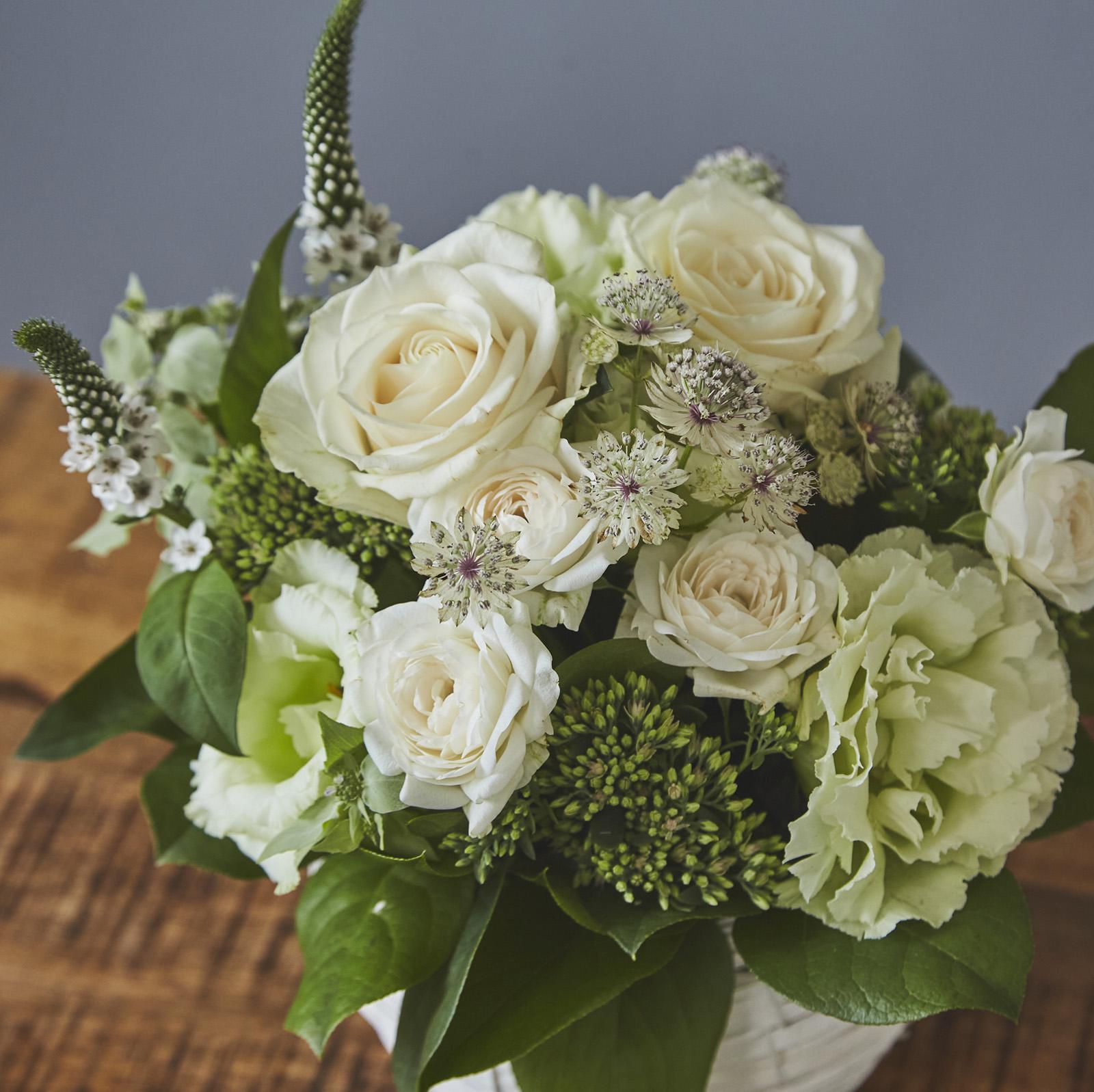 【生花アレンジメント】 ブランシュ Blanche カラー:ホワイト×グリーン