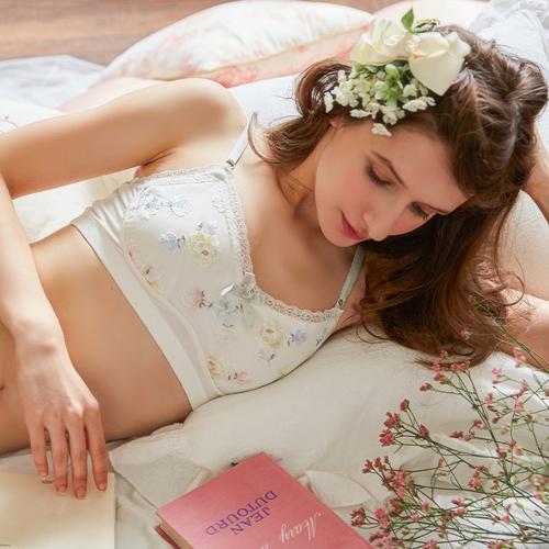 リサマリ  Eleanor エレノア おやすみ用ブラ RisaMagli 52054