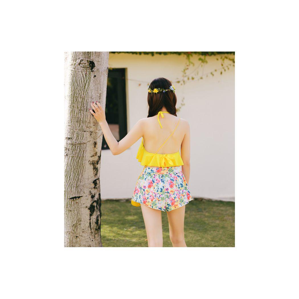 水着 レディース 3点セット フリル ビキニ ショートパンツ ハイネック フレアトップ 花柄 パッド取り外し可 バスト 盛れる ワイヤー入り 小胸 ママも 上下別柄でトレント感満載 セクシー ピンク 黄色 ホルターネック 短パン フラワー