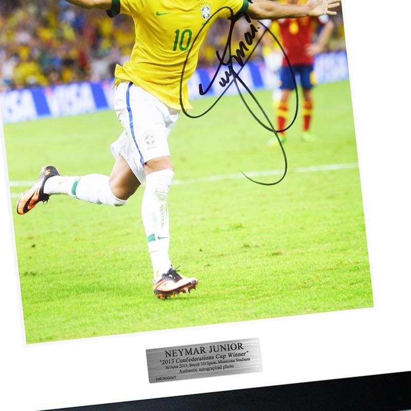 ネイマール直筆サイン入りブラジル代表2013フォト特製フレーム