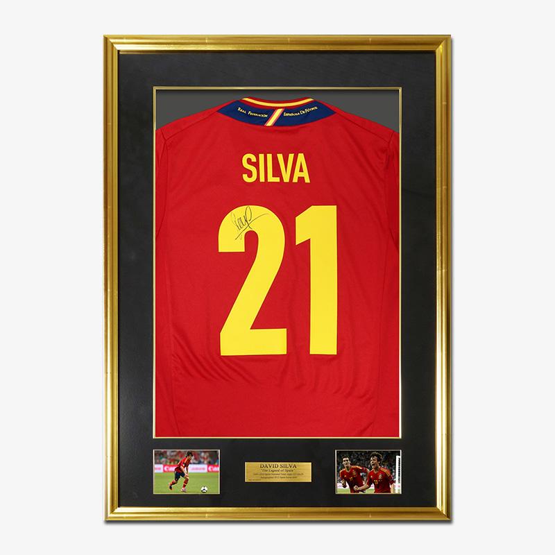 シルバ直筆サイン入りスペイン代表2012ホームユニフォーム特製フレーム