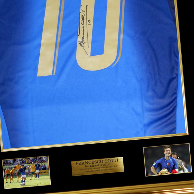 トッティ直筆サイン入りイタリア代表2006ホームユニフォーム 特製フレーム