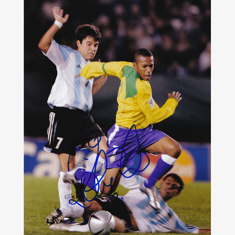 ロビーニョ実使用マルチ直筆サイン入りブラジル代表04/05ユニフォーム