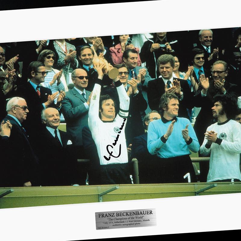 ベッケンバウアー直筆サイン入り西ドイツ代表1974フォト