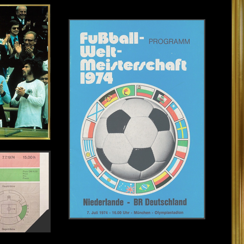 ベッケンバウアー直筆サイン入り西ドイツ代表1974フォト特製フレーム入り
