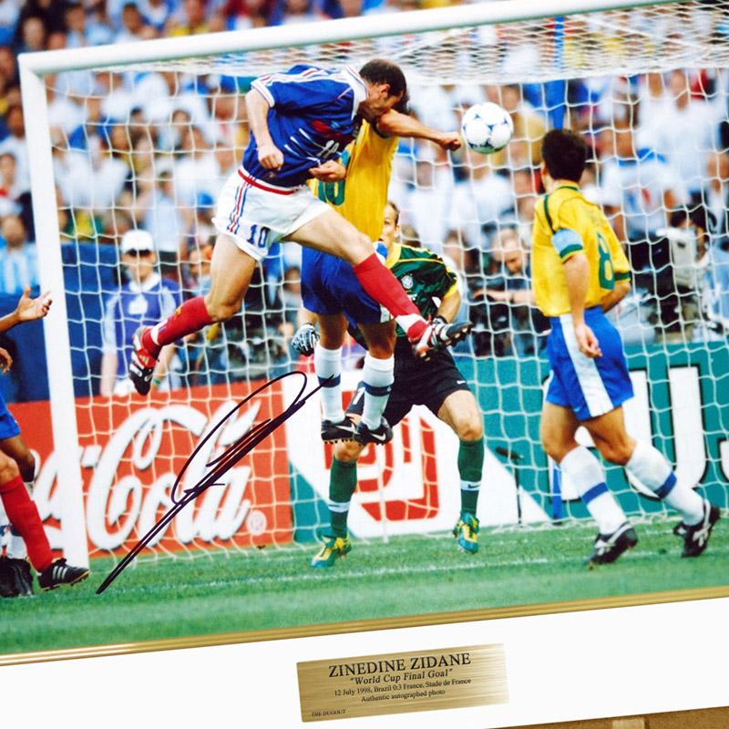 ジダン直筆サイン入りフランス代表1998フォト特製フレーム入り