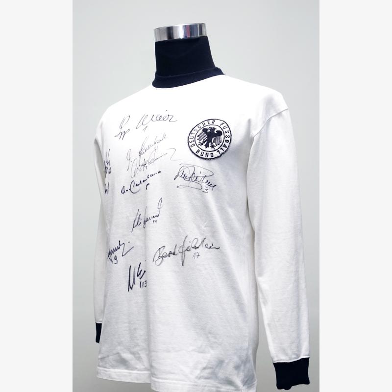 西ドイツ代表マルチ直筆サイン入り1974復刻版ホームユニフォーム