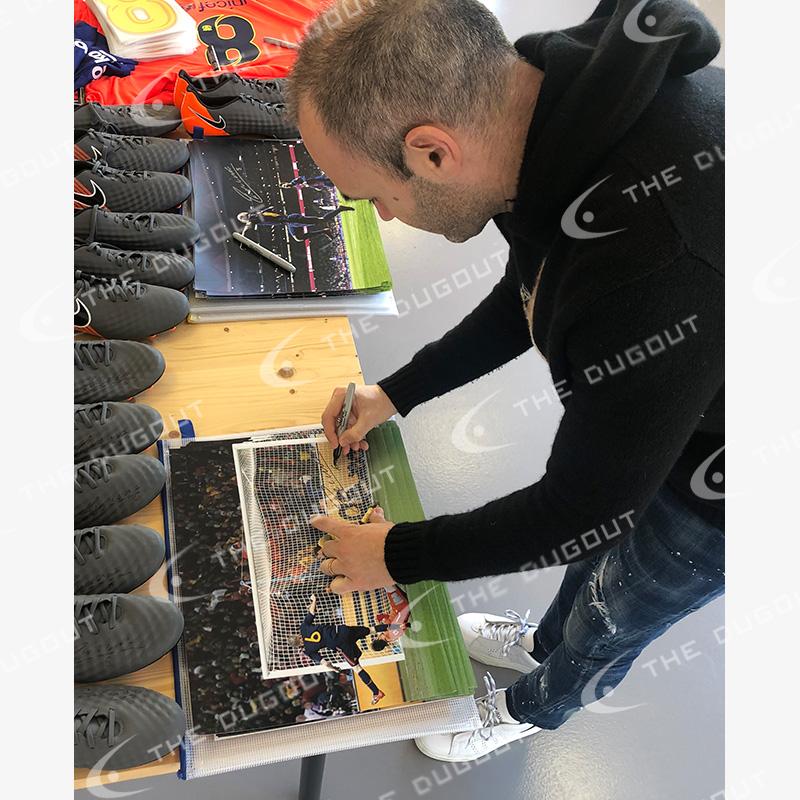 イニエスタ直筆サイン入りスペイン代表2010フォト特製フレーム (決勝ゴール)