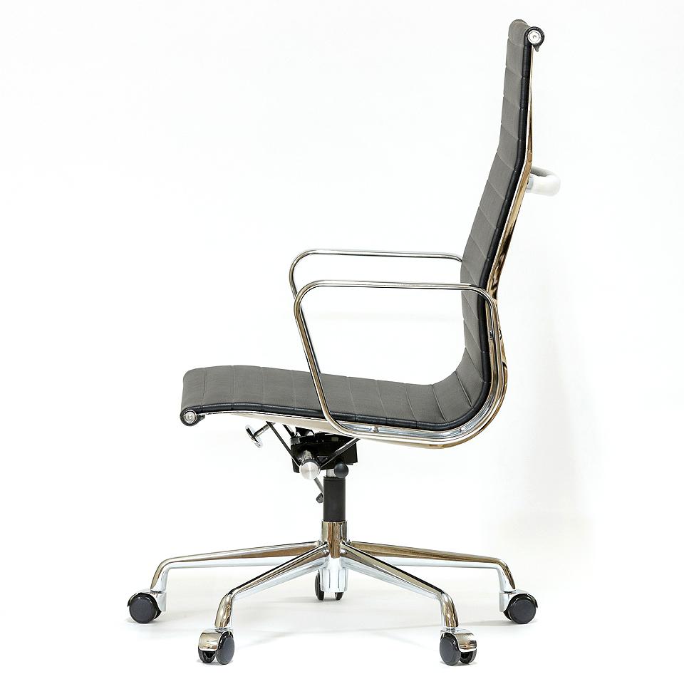 イームズ オフィスチェア アルミナムチェア ハイバック フラットパッド ブラック  リプロダクト