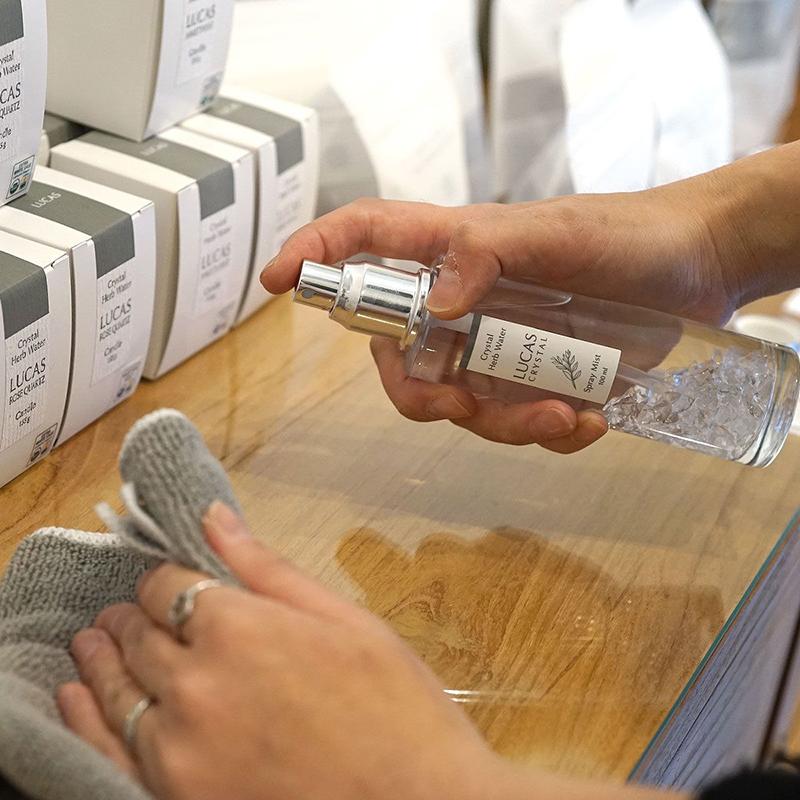 除菌スプレー LUCAS  リフレッシュハーブの香り (100%天然成分 & 99.9%除菌) 詰替リフィル 250ml
