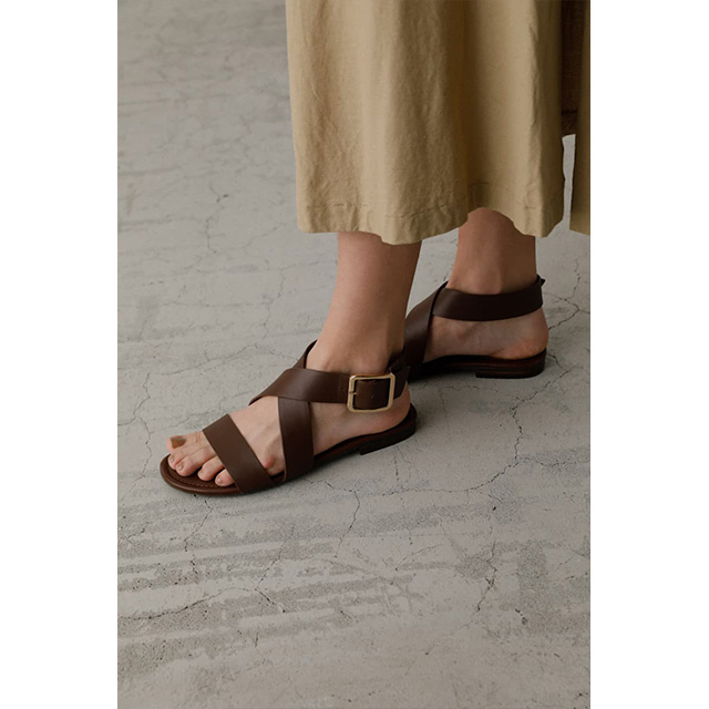 RIM.ARK / リムアーク Cross strap leather sandal