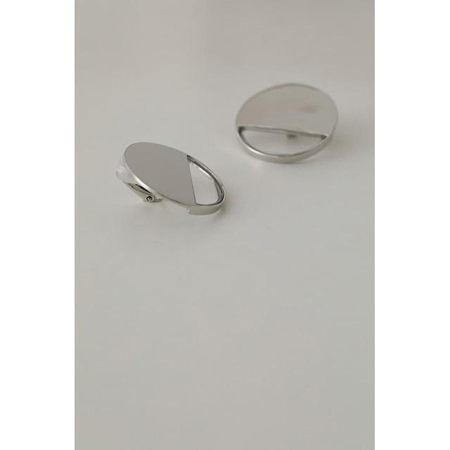 RIM.ARK / リムアーク  Half clear earring