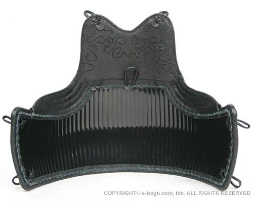 剣道具 最高級2mm樹脂胴 クロザン胸(兜飾) Lサイズ