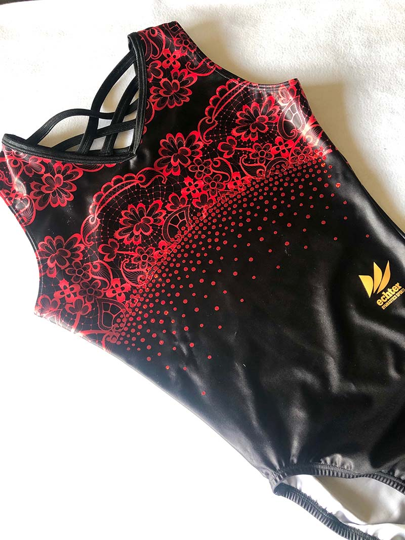 Lacy  black red