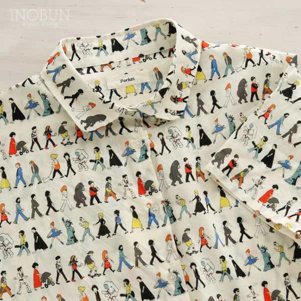パークス Parkes 60ローン生地 ラウンドカラーブラウス 半袖 歩く人々 カラフル 日本製 Mサイズ