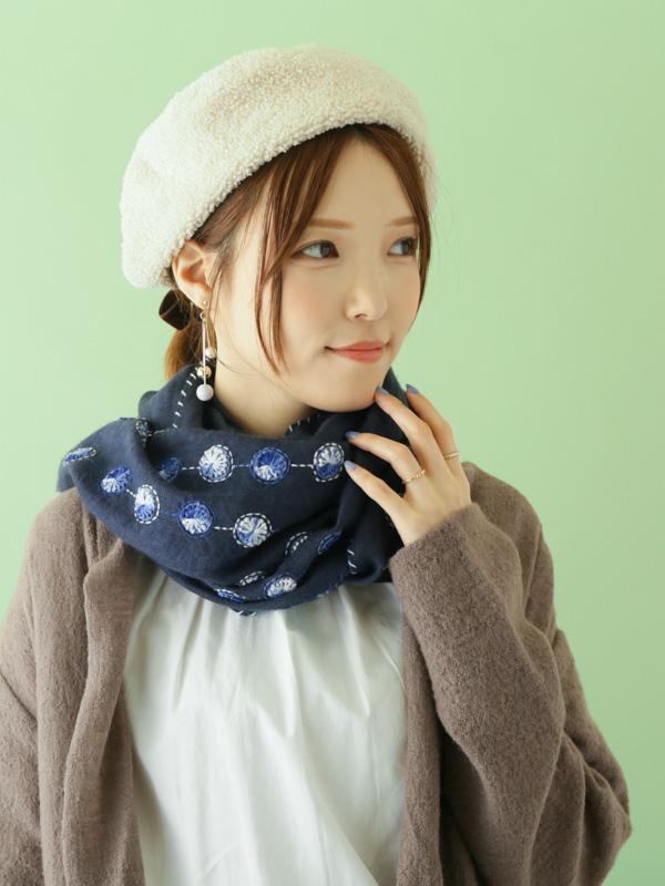 ウール混柄刺繍ショール B20W067
