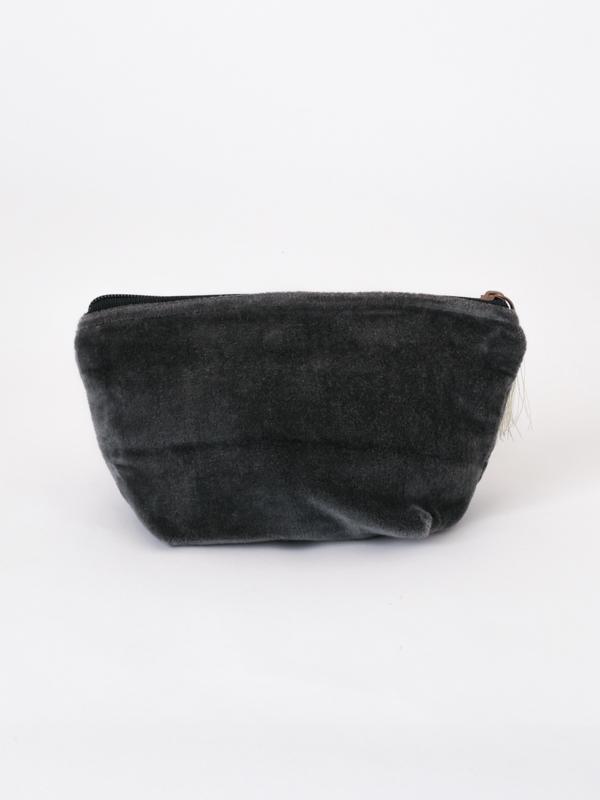 コットンベロア刺繍マチ付ポーチ M68-1661