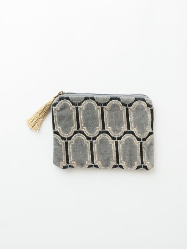 コットンベロア刺繍フラットポーチ M68-1662