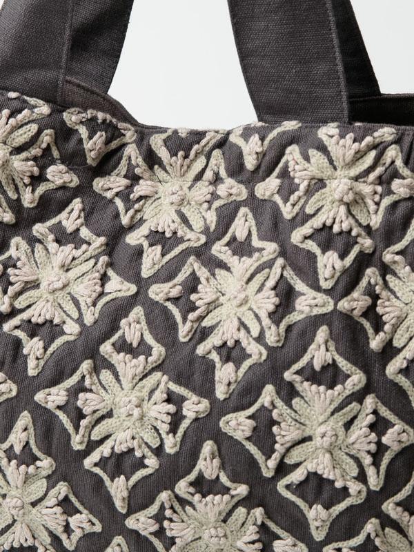 再入荷【SALE40】コットン刺繍 ランチバッグ(3カラー)