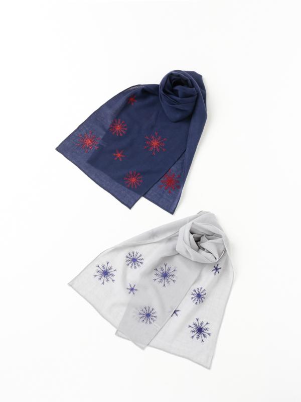 ウール雪柄刺繍ショール B21W094