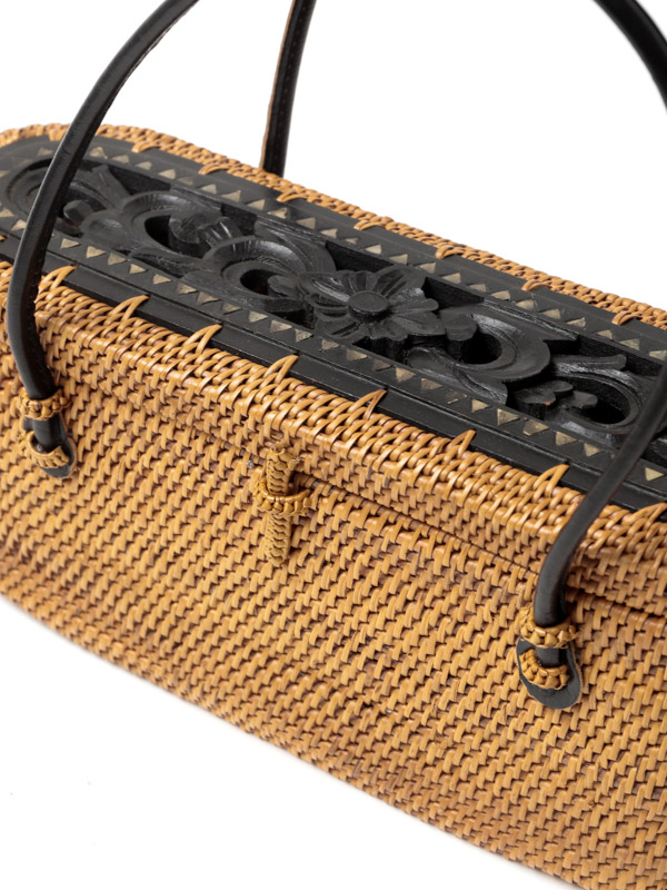 ウッドレリーフ蓋つきアタオーバルバッグ(2カラー) H21S213