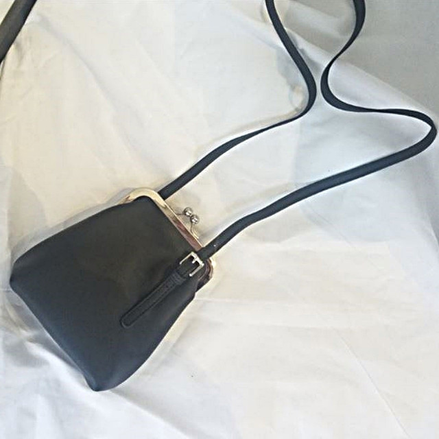 zaqa 715tk50 ブラック ショルダーバッグ ハンドバッグ がま口 2WAY バッグ がま口バッグ レトロバッグ 合皮 斜め掛け おでかけ ミニバッグ 旅行ポシェット 小さめバッグ 黒