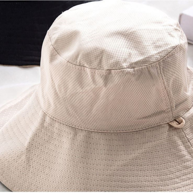 ykea 002upk3 レディース 春 夏 軽い 帽子 リバーシブルハット 黒 ベージュ つば広 紫外線カット 小顔効果 風で飛ばない あご紐付き 折りたたみ 携帯便利 アウトドア UVカット帽子 日焼け防止 スカラハット 風 日よけ帽子 サイズ56-58cm