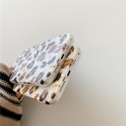 zvpa 1809kn05 ybma064 iPhone12 / 12Pro レオパード柄 iphoneカバー ヒョウ柄 シェルケース