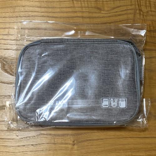 zada 050upk3 【グレー・スリムタイプ】ガジェットポーチ 撥水加工 PCアクセサリー ケーブル SDカード USBメモリ 収納ポーチ ストラップ付 灰色