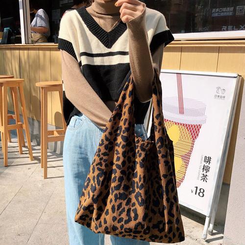 zvpa 1673upk2 【レジバッグ型】ヒョウ柄 コーデュロイ素材 ソフトバッグ ショッピングバッグ おしゃれ エレガント 個性的
