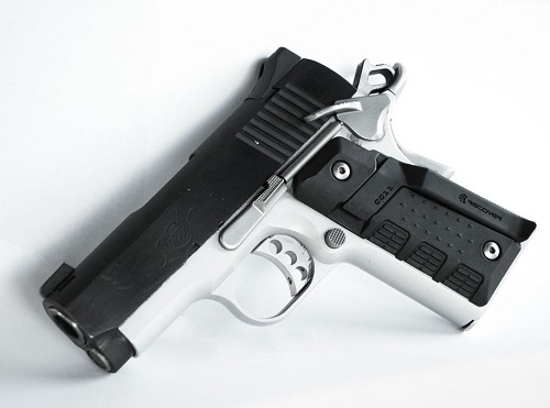 RECOVER TACTICAL 1911用ベルトクリップ付きグリップ CG11