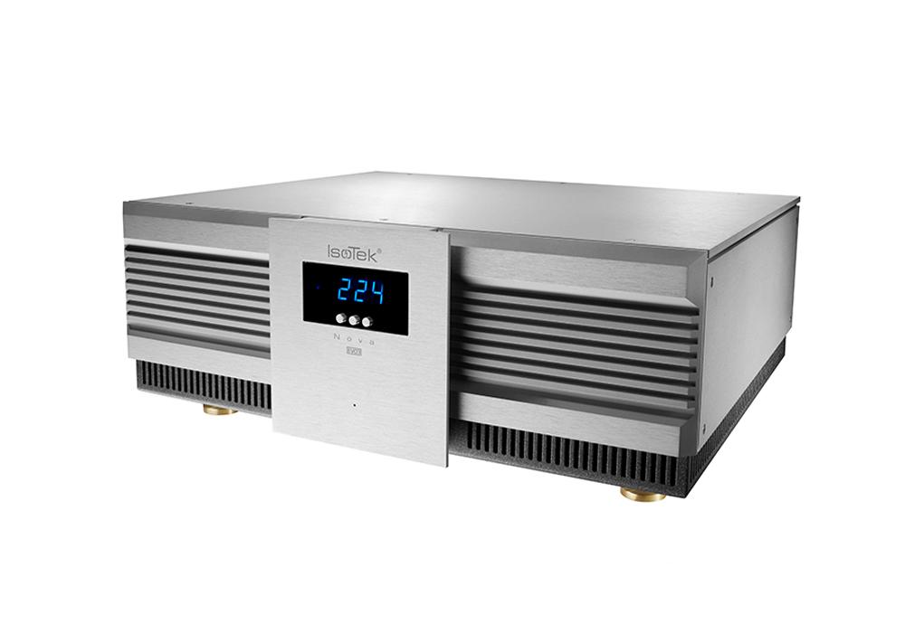 IsoTek - EVO3-NOVA(クリーン電源)《e》【2021年3月31日まで IsoTek 対象商品ご購入でアップグレード電源ケーブルプレゼントキャンペーン実施中】【メーカー直送(代引不可)】【メーカー在庫有り即納】