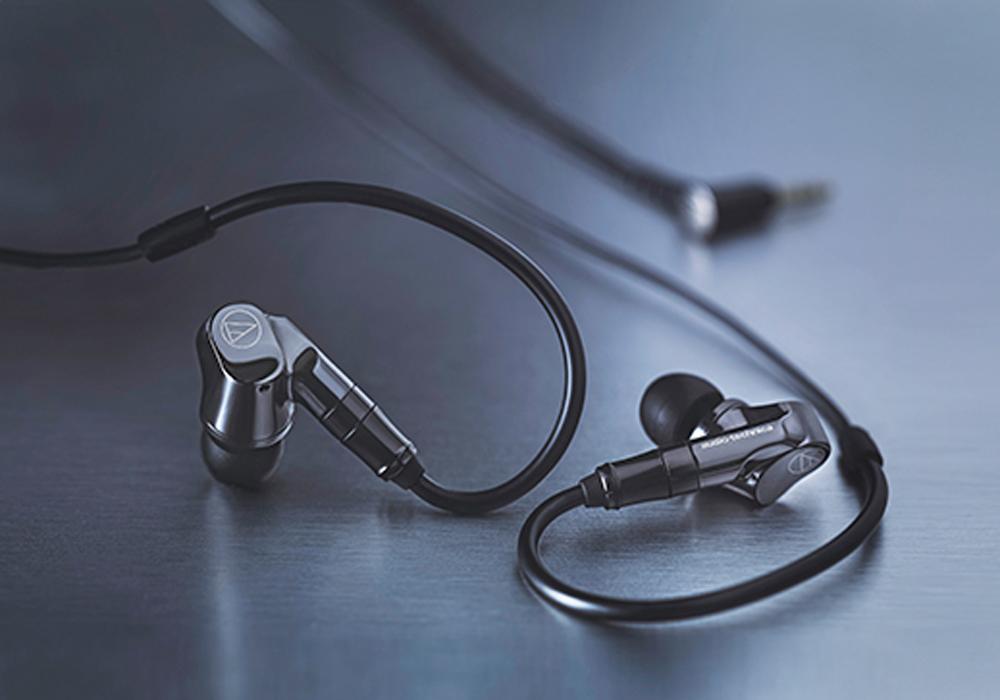 audio-technica - ATH-IEX1(ハイブリッド型インナーイヤホン)《e》【メーカー直送品・3〜5営業日前後でお届け可能です※メーカー休業日除く】