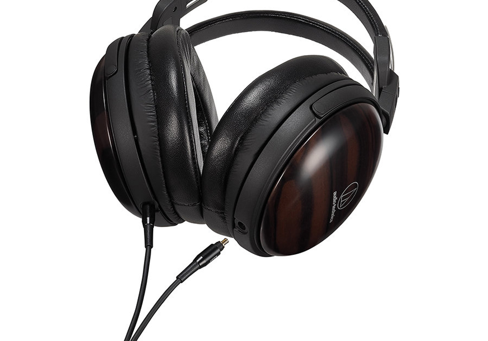audio-technica - ATH-AWKT(密閉ダイナミック型ヘッドホン)《e》【メーカー直送品(代引不可)・3〜5営業日前後でお届け可能です※メーカー休業日除く】