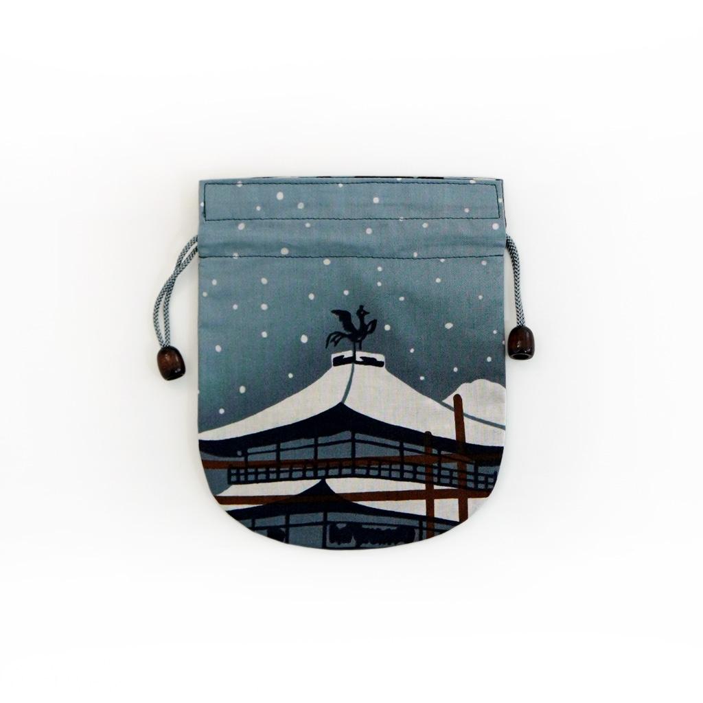 リバーシブル手拭巾着 「円窓の雪景色」