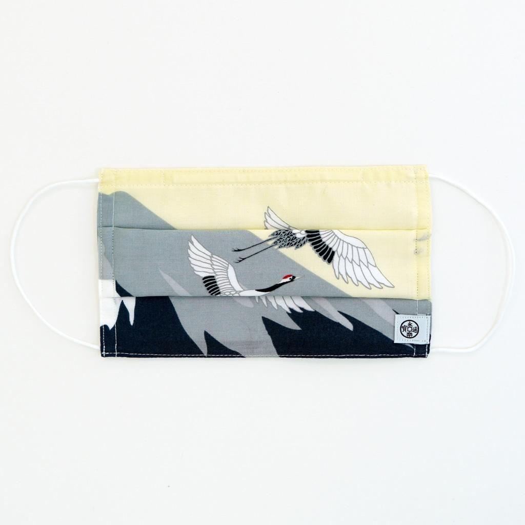 手ぬぐいマスク(三層) 「富士と鶴」(右)