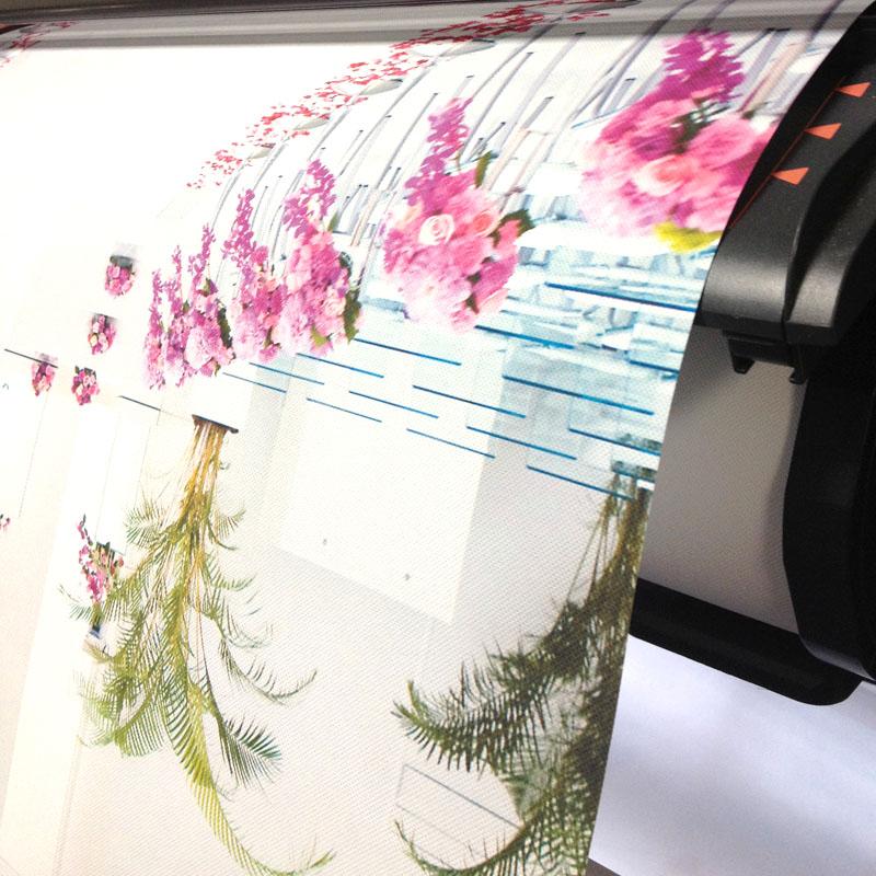 タペストリー(屋内用)  紙質:ハードクロス サイズ:W914xH1300 印刷範囲W880mm POP白タペパイプ付