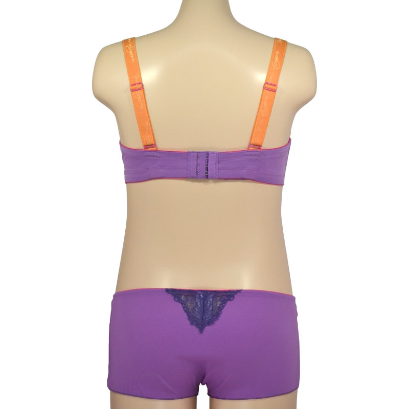 オレンジレースに紫を隠して。ノンワイヤーで締め付けずに支える。授乳ブラ・マタニティブラ