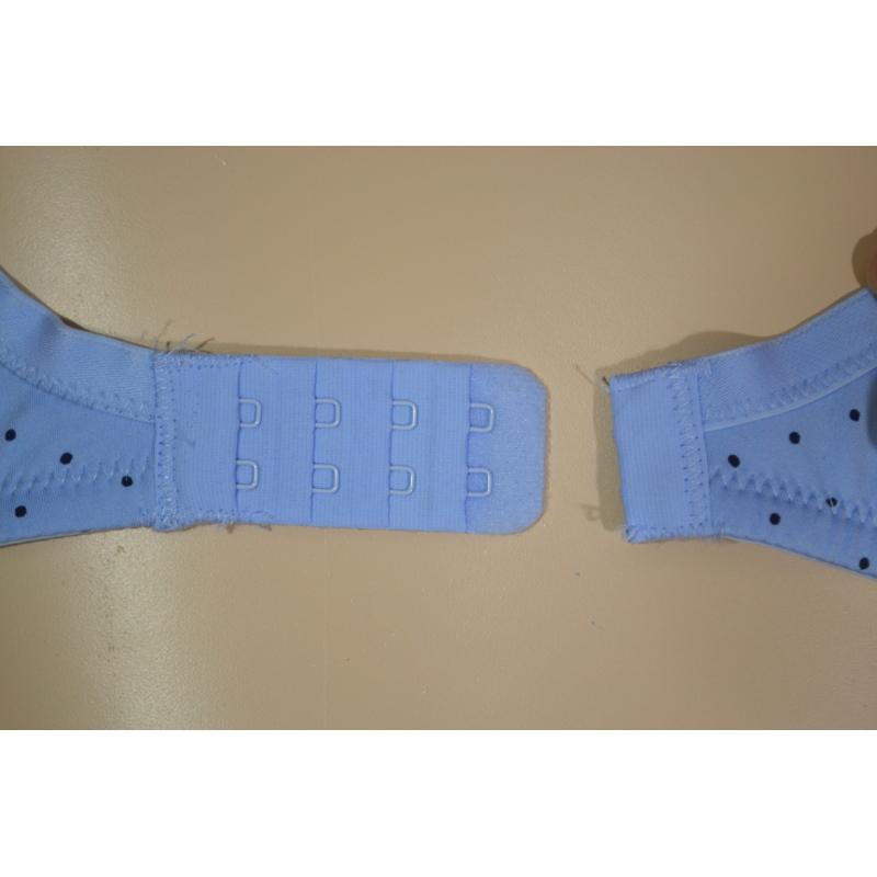 D,Ecup 水色×紺水玉の綿混Tシャツブラ。モールドカップのマタニティブラ・授乳ブラ兼用