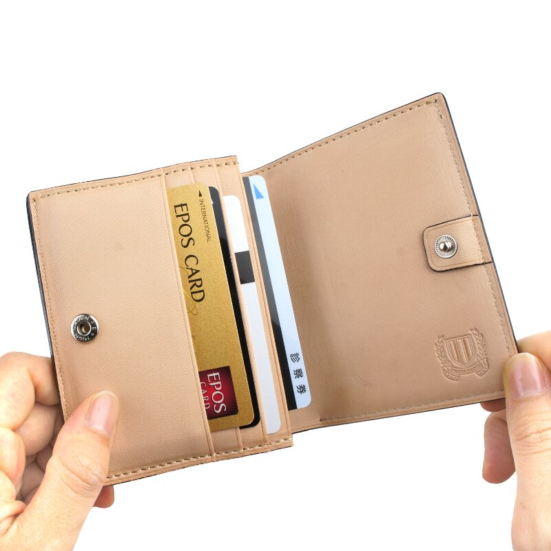 paccapacca ネブラ 二つ折り財布